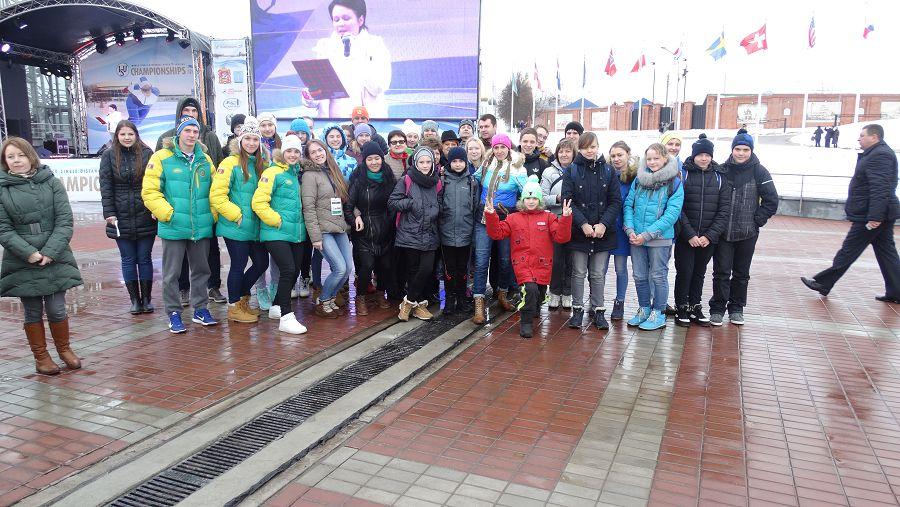 Чемпионат мира по скоростному бегу на коньках на отдельных дистанциях.
